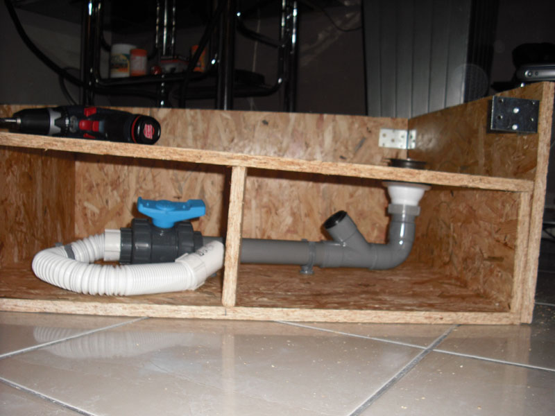 Construction d 39 un terra bois avec bassin equip - Fabriquer une cascade pour bassin ...